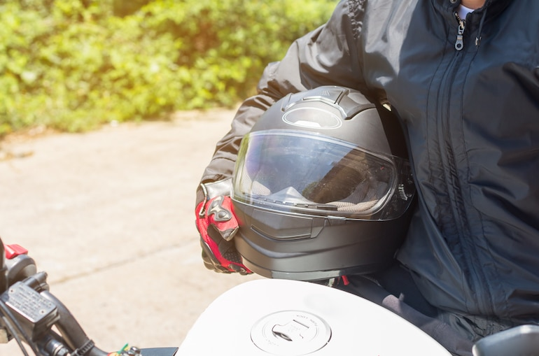 5 TIPS TO AVOID MOTORCYCLE ACCIDENTS